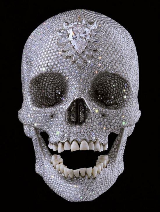 Работа английского дизайнера Diamond Skull
