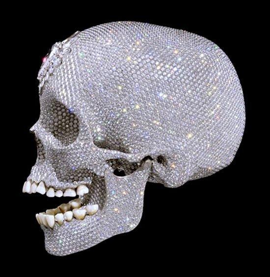 For The Love Of God - платиновый череп от английского художника