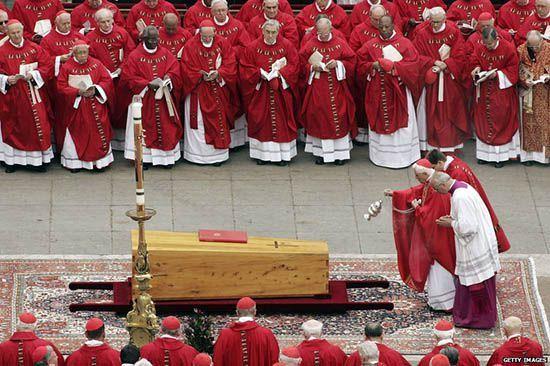Отпевание Папы Римского
