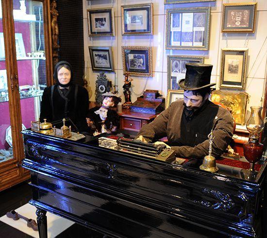"""Экспозиция Новосибирского Музея Смерти """"Похоронное бюро"""""""