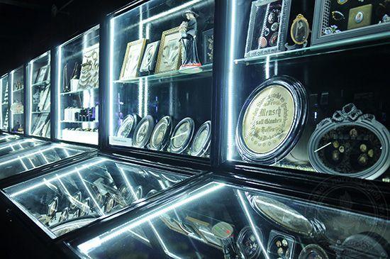 Витрины Музея Смерти