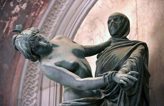 Европейская кладбищенская скульптура