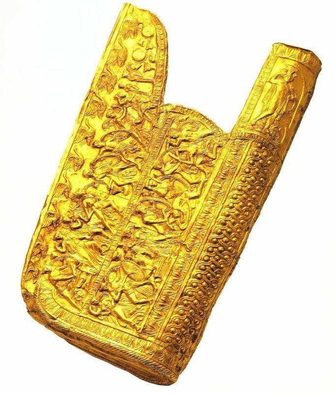 Золотой горит (колчан), найденный у входа в гробницу Филиппа II