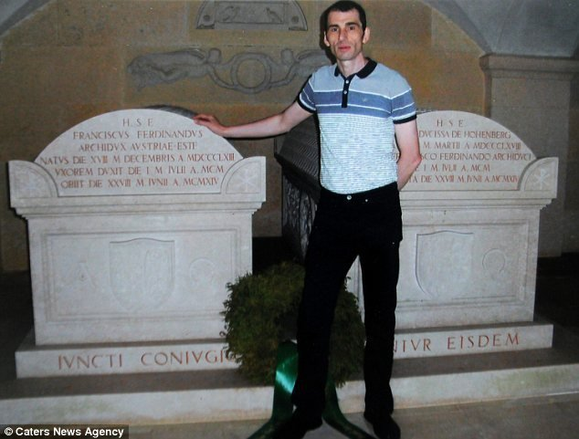Марк на могиле эрцгерцога Франца Фердинанда