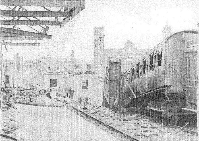 Лондонский некрополь после бомбежки 16-17 апреля 1941 года