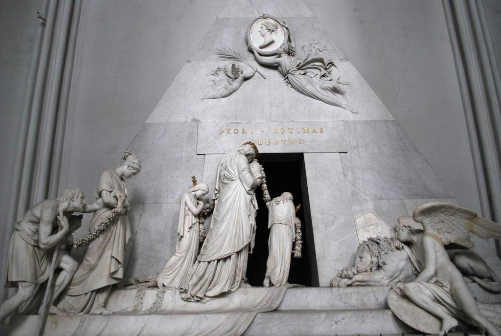 Надгробие на могиле Марии Кристины Австрийской.