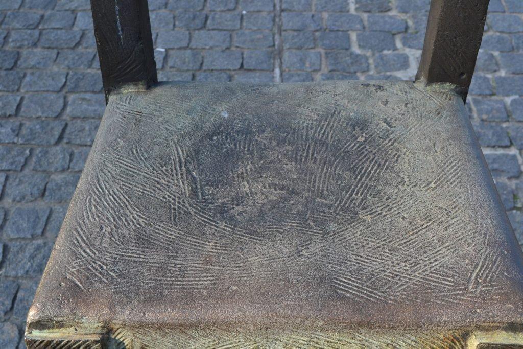 Краковское гетто мемориал стулья