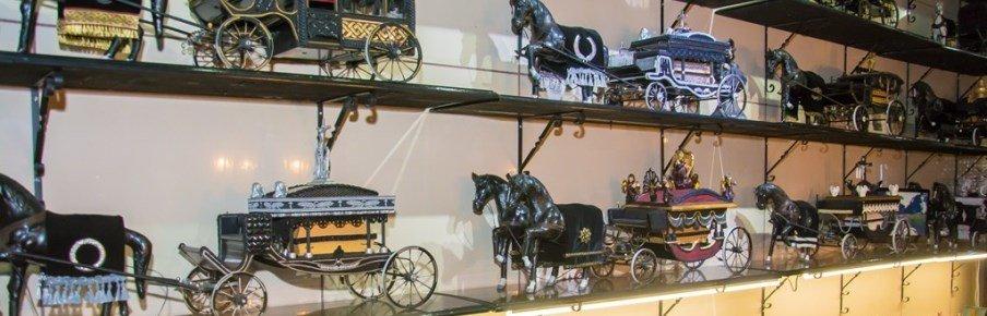Похоронные кареты и экипажи XIX века