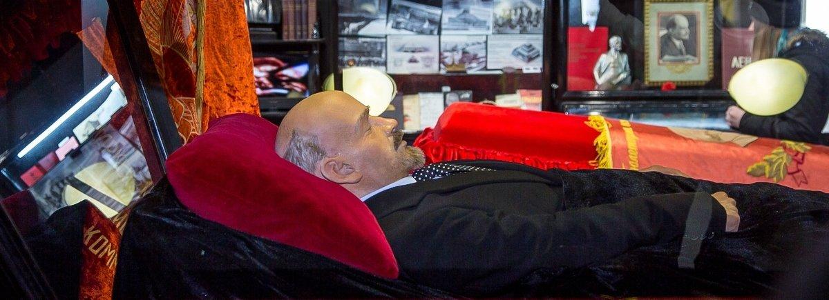 Копия тела В.И.Ленина постоянный экспонат Музея погребальной культуры