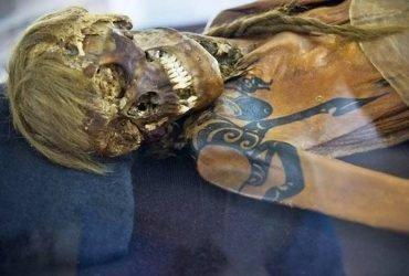 Какой народ на территории России мумифицировал покойников?