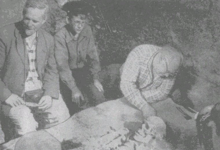 Исследование первого погребения на Сунгирской стоянке